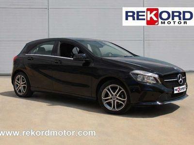 "usado Mercedes A180 d 7G-DCT LED-PIEL-PARK AS+NAVIG 8"""