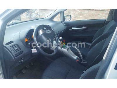 usado Toyota Auris 1.4d-4d Active 90 cv en Malaga