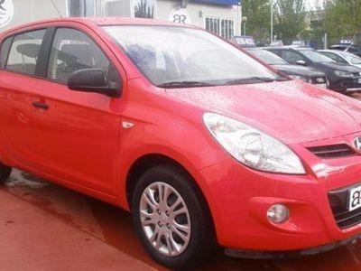 usado Hyundai i20 2011 97000 KMs € 4950.00 en buen estado