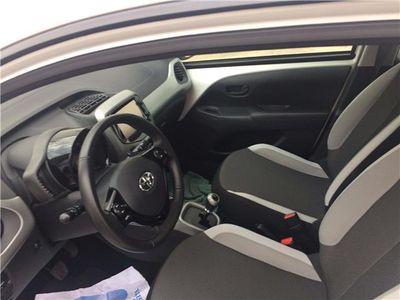 usado Toyota Aygo 1.0 VVT-i x-play Business x-shift