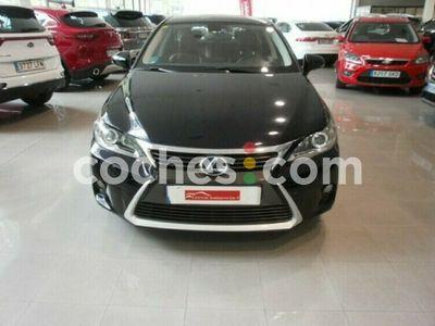 usado Lexus CT200h CtExecutive 136 cv en Alava