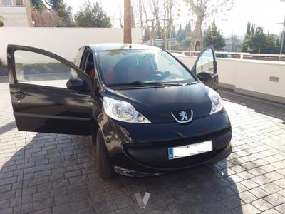 usado Peugeot 107 1.0i Urban Move -08