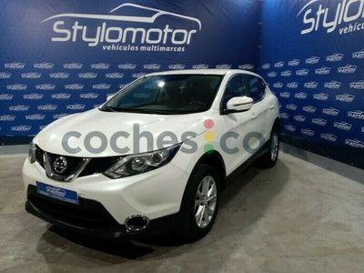 usado Nissan Qashqai 1.6dci Acenta 4x2 Xtronic 130 cv en Sevilla