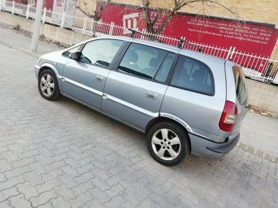 usado Opel Zafira 2.0Dti 16v Club