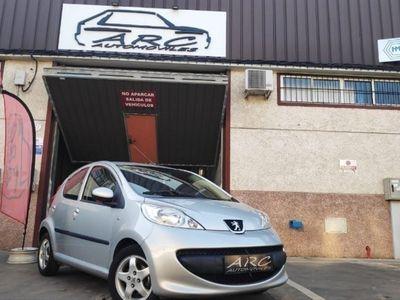 usado Peugeot 107 1.0i 2Tronic Urban Move