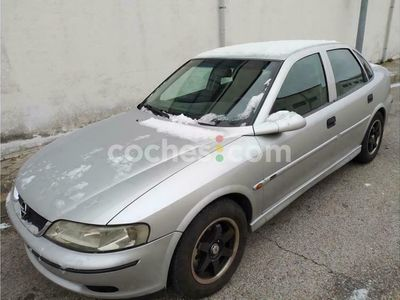 usado Opel Vectra 2.0dti 16v Comfort 100 cv en Madrid