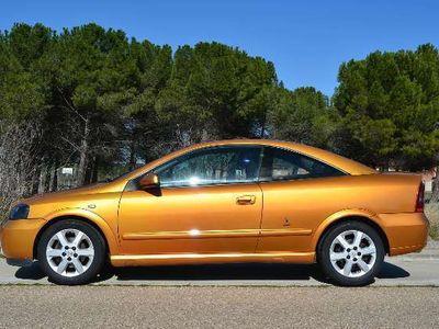 usado Opel Astra Coupé 2.2 16v Bertone Edition