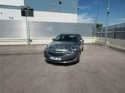 usado Opel Insignia St 1.6cdti S&s Selective 120 120 cv en Madrid