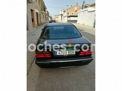 usado Mercedes E240 Clase EAvantgarde 170 cv en Malaga