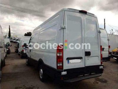 usado Iveco Daily Furgón 35s13a V-p 4100 H3 18.0 126 126 cv en Barcelona