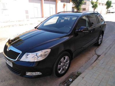 usado Skoda Octavia Combi 1.6TDI CR Collection