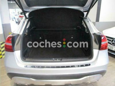 usado Mercedes GLA180 Clase Gla7g-dct 136 cv en Barcelona