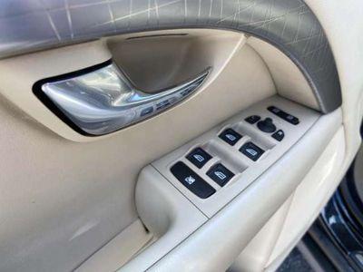 usado Volvo XC70 Xc70D5 Momentum Geartronic 185 cv en Madrid