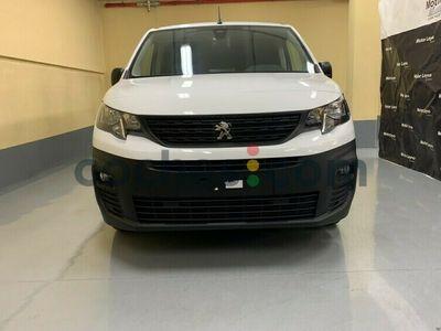 usado Peugeot Partner 1.2 Puretech S&s Pro Standard 600kg 110 cv en Madrid