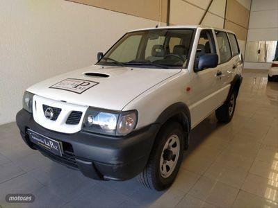 usado Nissan Terrano 2.7 TDi Comfort 5p