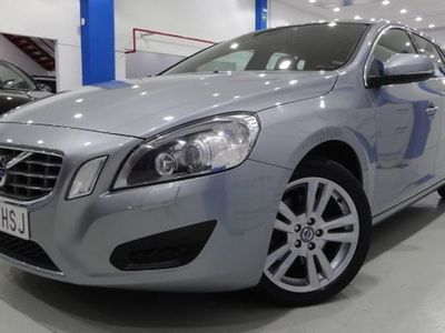 usado Volvo V60 D3 Momentum Aut.