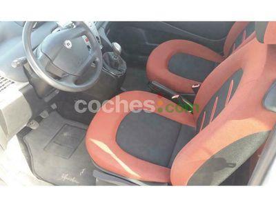 usado Lancia Ypsilon 1.2 8v 60 cv en Sevilla