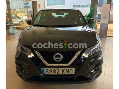 usado Nissan Qashqai 1.2 Dig-t Acenta 4x2 115 cv en Badajoz