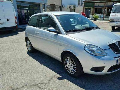 usado Lancia Ypsilon 1.2 8v Argento