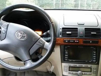 usado Toyota Avensis 2.2 D4d Executive Wagon 5p. -08