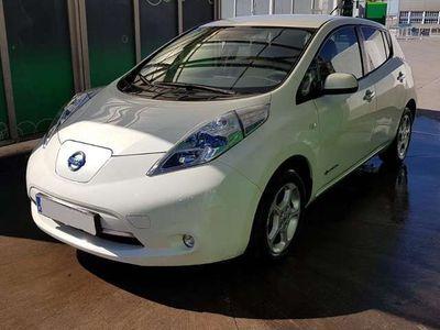 usado Nissan Leaf 24kWh batería en propiedad.