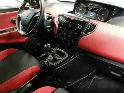 usado Lancia Ypsilon 1.2 evo II Black&Red