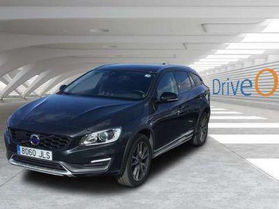 usado Volvo V60 CC D4 Summum