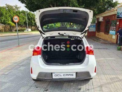 usado Toyota Auris Hybrid 140h Feel! 136 cv en Malaga