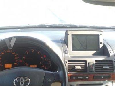 usado Toyota Avensis 2.2 D4D Executive -05