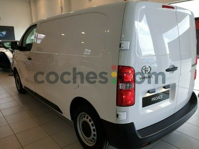 usado Toyota Proace Van Media 1.5d Business 100 100 cv en Leon