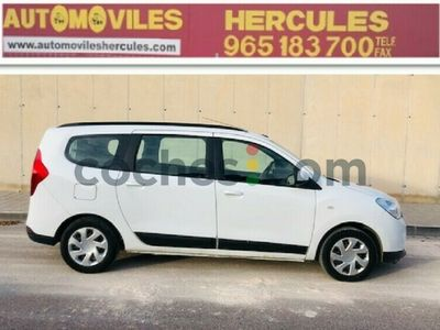 usado Dacia Lodgy 1.5dci Laureate 5pl. 66kw 90 cv en Alicante