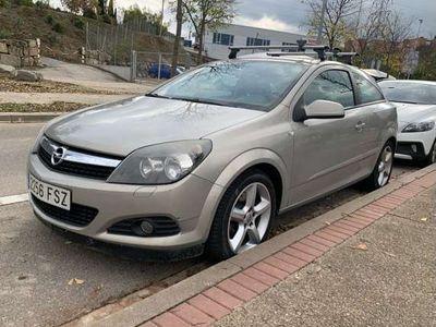 usado Opel Astra GTC 1.9 CDTI DPF Sport