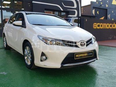 usado Toyota Auris 5p