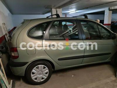 usado Renault Scénic II 1.5dci Confort Dynamique 80 cv en Madrid