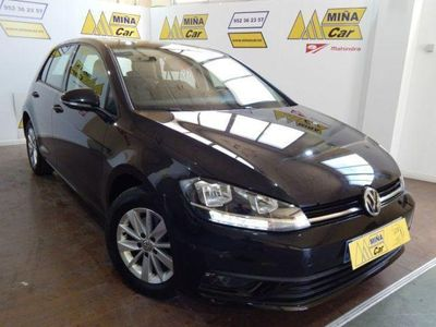 begagnad VW Golf 1.6TDI Business and Navi Edition 85kW