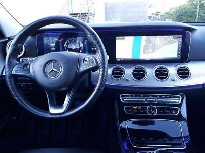 usado Mercedes E220 4Matic 9G-Tronic 194