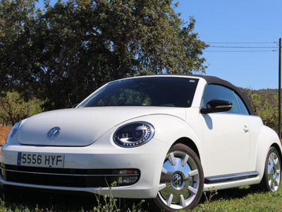 usado VW Beetle Cabrio 2.0 TDI 140cv DSG Design