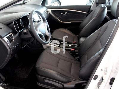 usado Hyundai i30 1.6CRDi Sport Aut-libro revs-techo-navi-xenon....