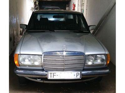 usado Mercedes 230 CE (123)