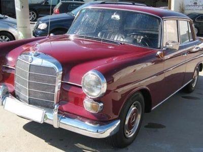 usado Mercedes 190 50CV año 1966 74165 KMs