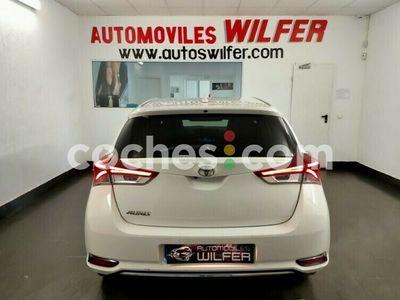 usado Toyota Auris 120t Feel! 116 cv en Tarragona