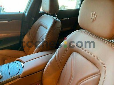 usado Maserati Quattroporte Aut. 275 cv en Sevilla