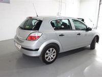 usado Opel Astra 1.7CDTi Essentia
