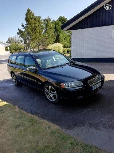 Myyty Volvo V70 2 4 140 Chromium Myytavana Olevat Kaytetyt Autot