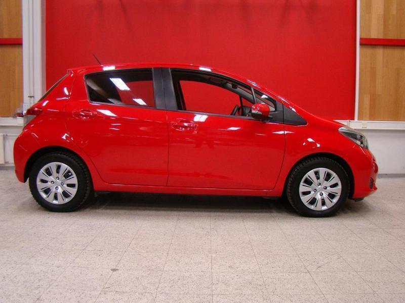 Myyty Toyota Yaris Monikäyttöajoneu. - Myytävänä olevat käytetyt autot