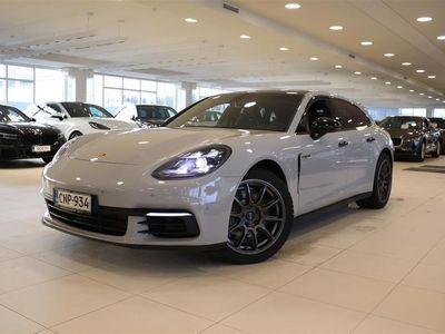 käytetty Porsche Panamera 4 E-Hybrid Sport Turismo, Crayon erikoisväri, Night View, Matrix, Bose, Panorama, Soft Close-ovet