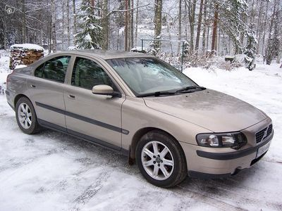 käytetty Volvo S60 -03