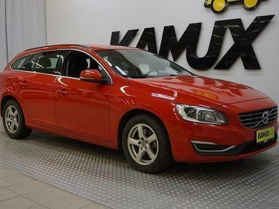 käytetty Volvo V60 D4 AWD Momentum aut **PA-LÄMMITIN, XENON-VALOT, VETOKOUKKU, VAKKARI, BT-AUDIO!!**