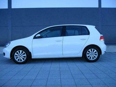 käytetty VW Golf Comfortline 1,4 TSI 90kw 5-ov AC, **AJ. VAIN 129TKM**, KATS. 4/2021. 100% HUOLTOKIRJA. JOPA ILMAN KÄSIRAHAA!