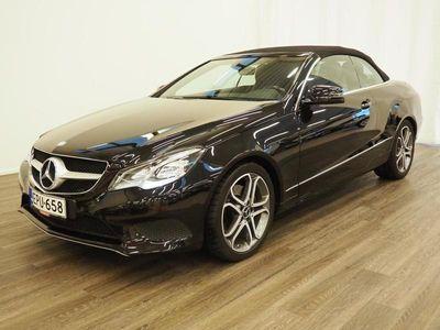 käytetty Mercedes E220 CDI BE Cabriolet A - Vetokoukku, Navigointijärjestelmä, Kahdet renkaat alumiinivantein, Nahkasis